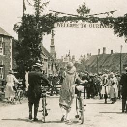 Corby Pole Fair 1922 White Hart Entrance